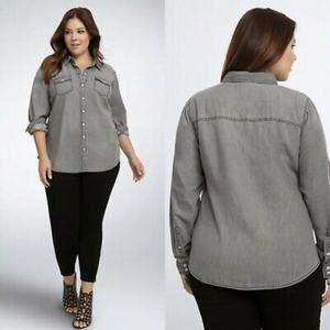 Torrid Taylor grey chambray denim button up shirt